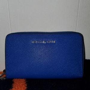 Michael kors wrislet/wallet